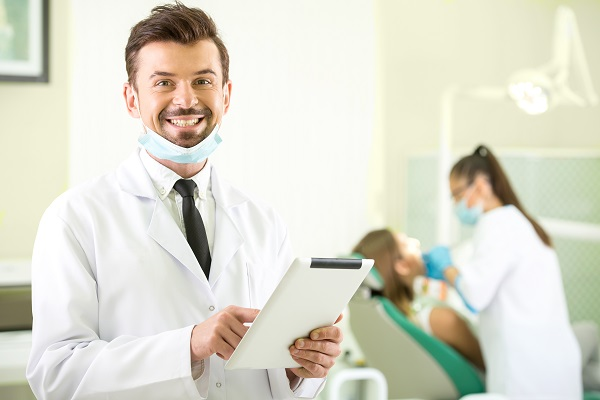 Cosmetic Dentist Solutions For Damaged Teeth