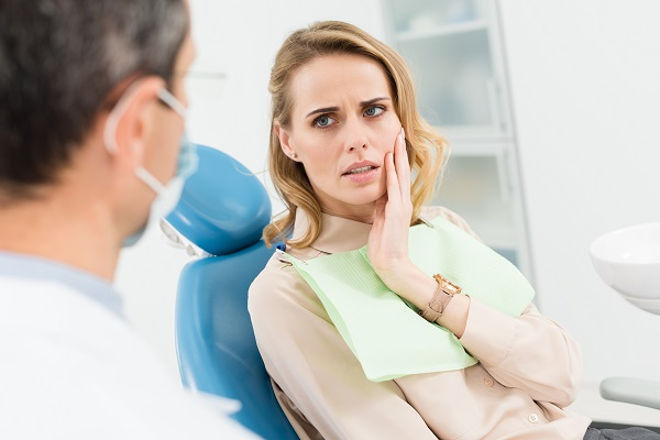 At Home Tips From An Emergency Dentist For A Toothache