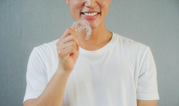 Why Is Invisalign Therapy So Popular For Teeth Straightening?